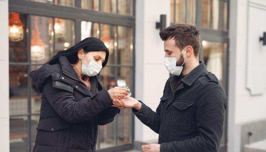 소진과 피로로 고군분투하는 코로나 19 의료 종사자